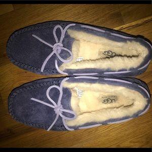 UGG dakota slippers PERFECT for the winter!
